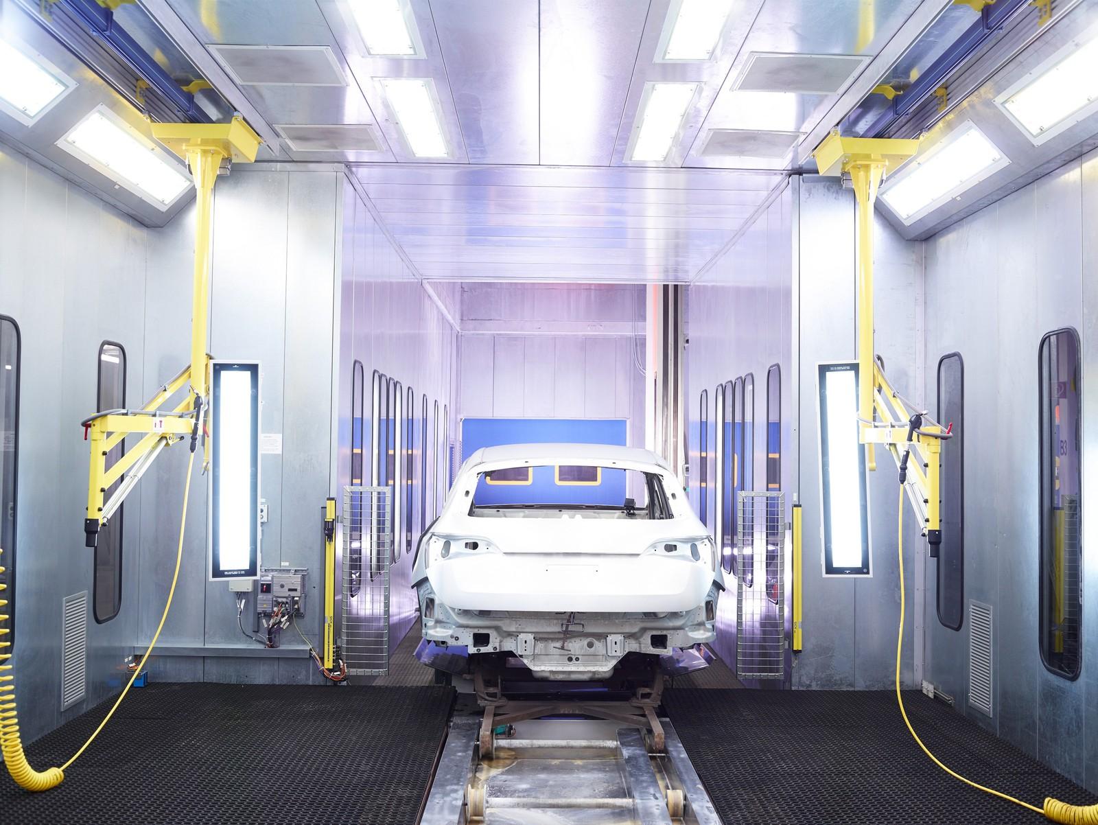 Patentierter Bonderite Zwei-Stufen-Prozess von Henkel zur Oberflächenbehandlung von Karosserien bei Audi.