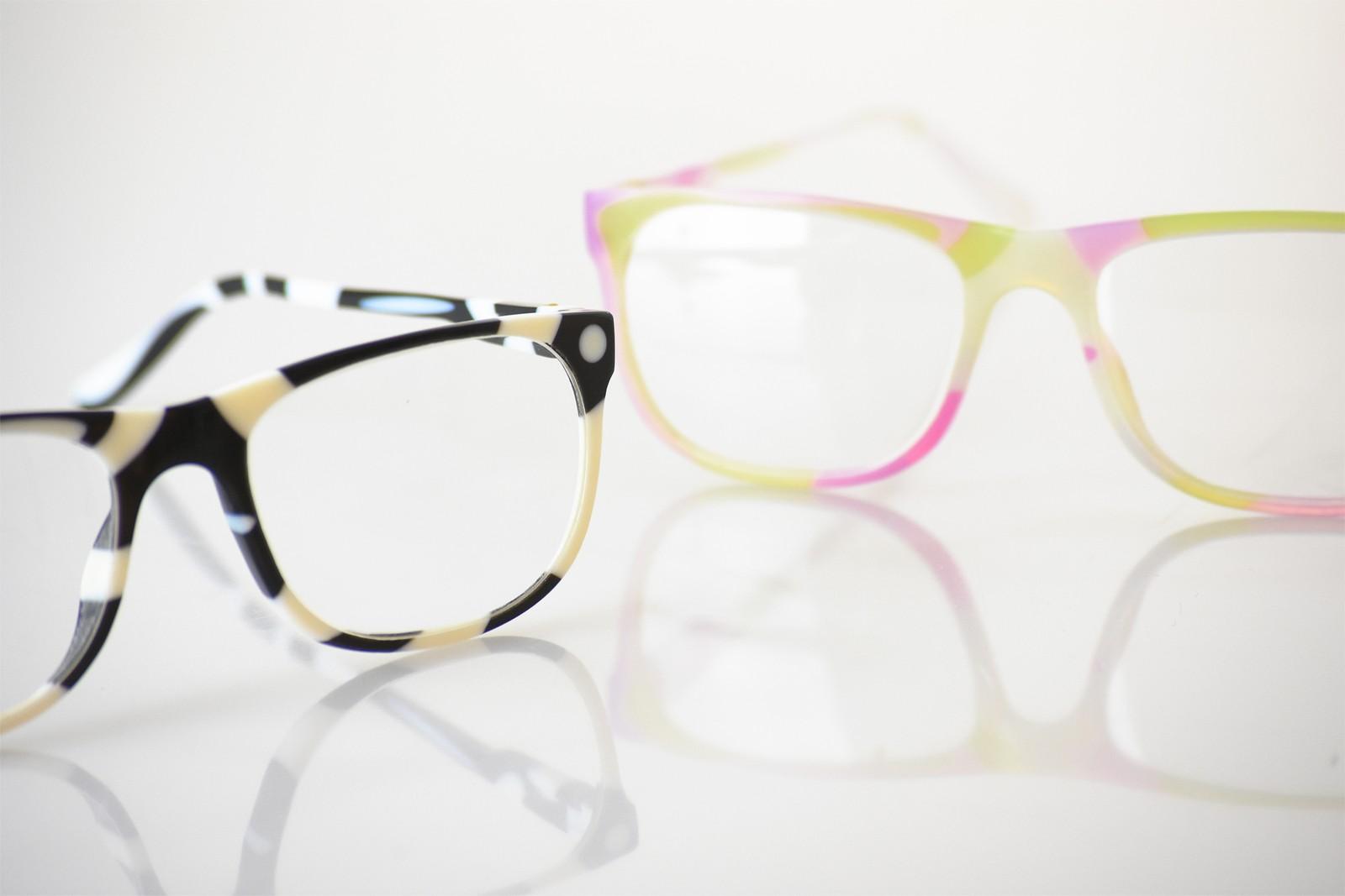 Das Veroflex-Material für den Vollfarb-Multi-Material-J750-3D-Drucker, der auf die Anforderungen der Brillenindustrie zugeschnitten ist.
