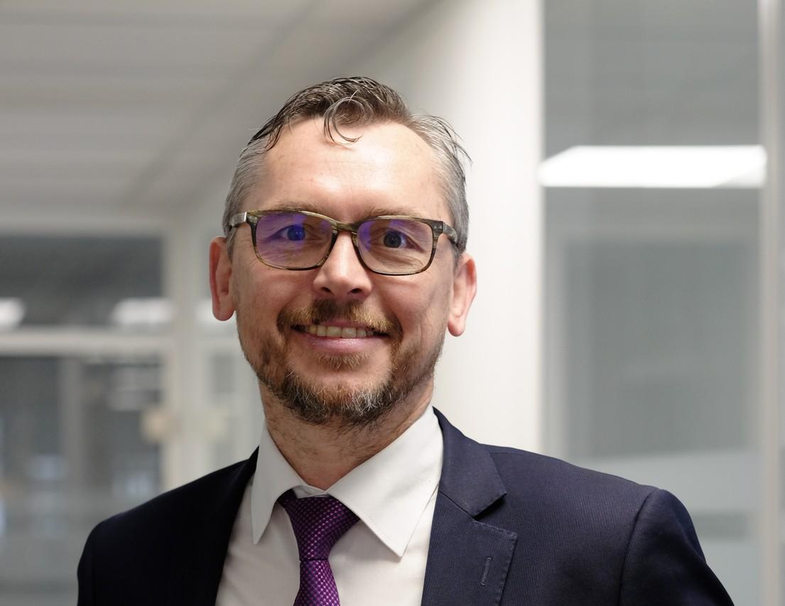 Dipl.-Ing. Rainer Hertele, einer von zwei Geschäftsführer bei SPN Schwaben Präzision.