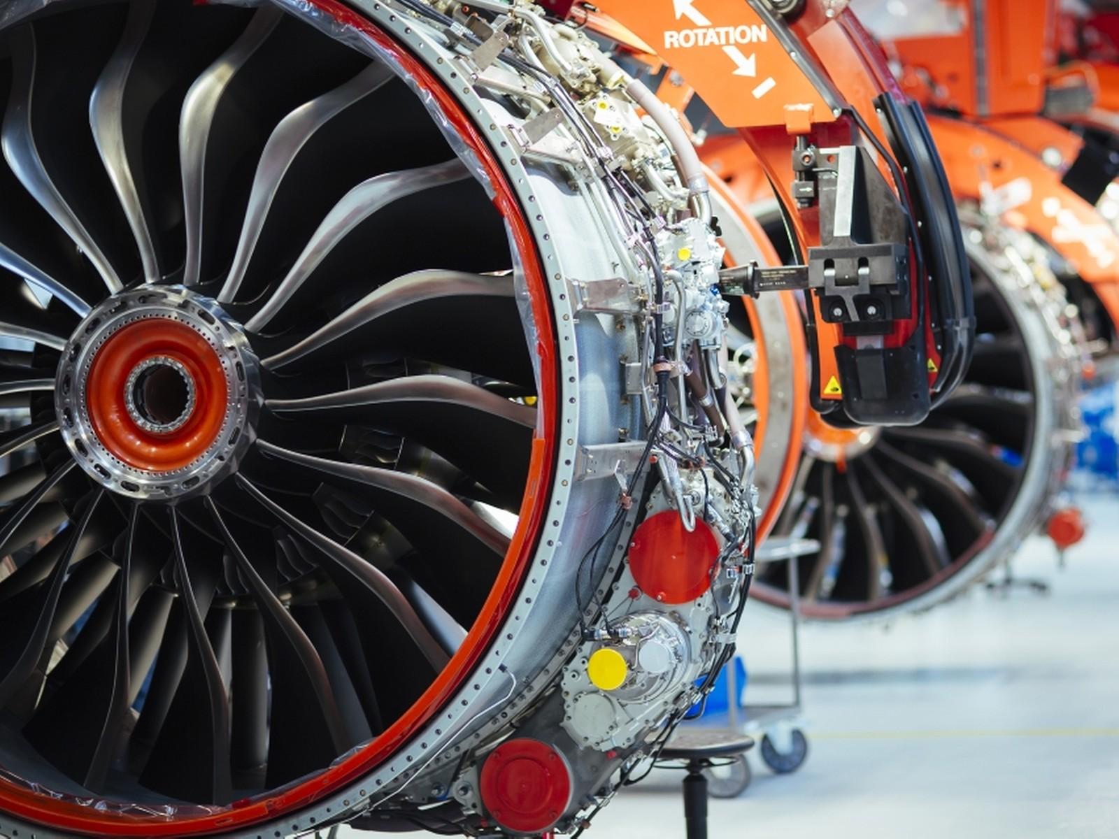 Hybridlager eignen sich für besonders anspruchsvolle Anwendungen wie beispielsweise in Flugzeugtriebwerken oder auch ölfreien Kompressoren von Kältemaschinen.