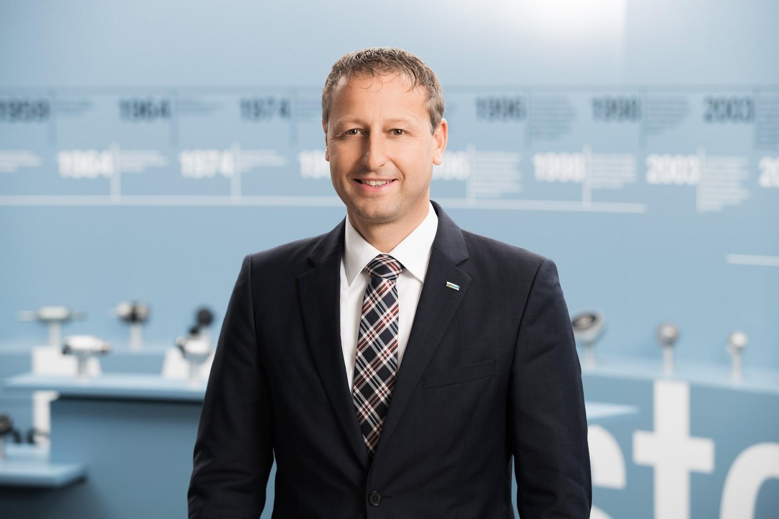 Johannes Moosmann ist seit 2003 bei EBM-Papst in St. Georgen tätig. 2011 übernahm er die Leitung des Geschäftsbereiches Industrielle Antriebstechnik.
