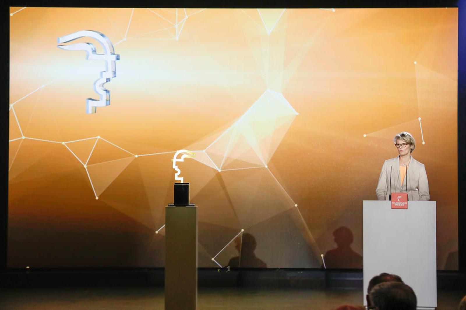 Anja Karliczek, Bundesministerin für Bildung und Forschung, bei der Eröffnungsfeier der HMI im Vorjahr. Auch 2019 wird sie eine Laudatio halten sowie den Hermes Award an den Gewinner übergeben.