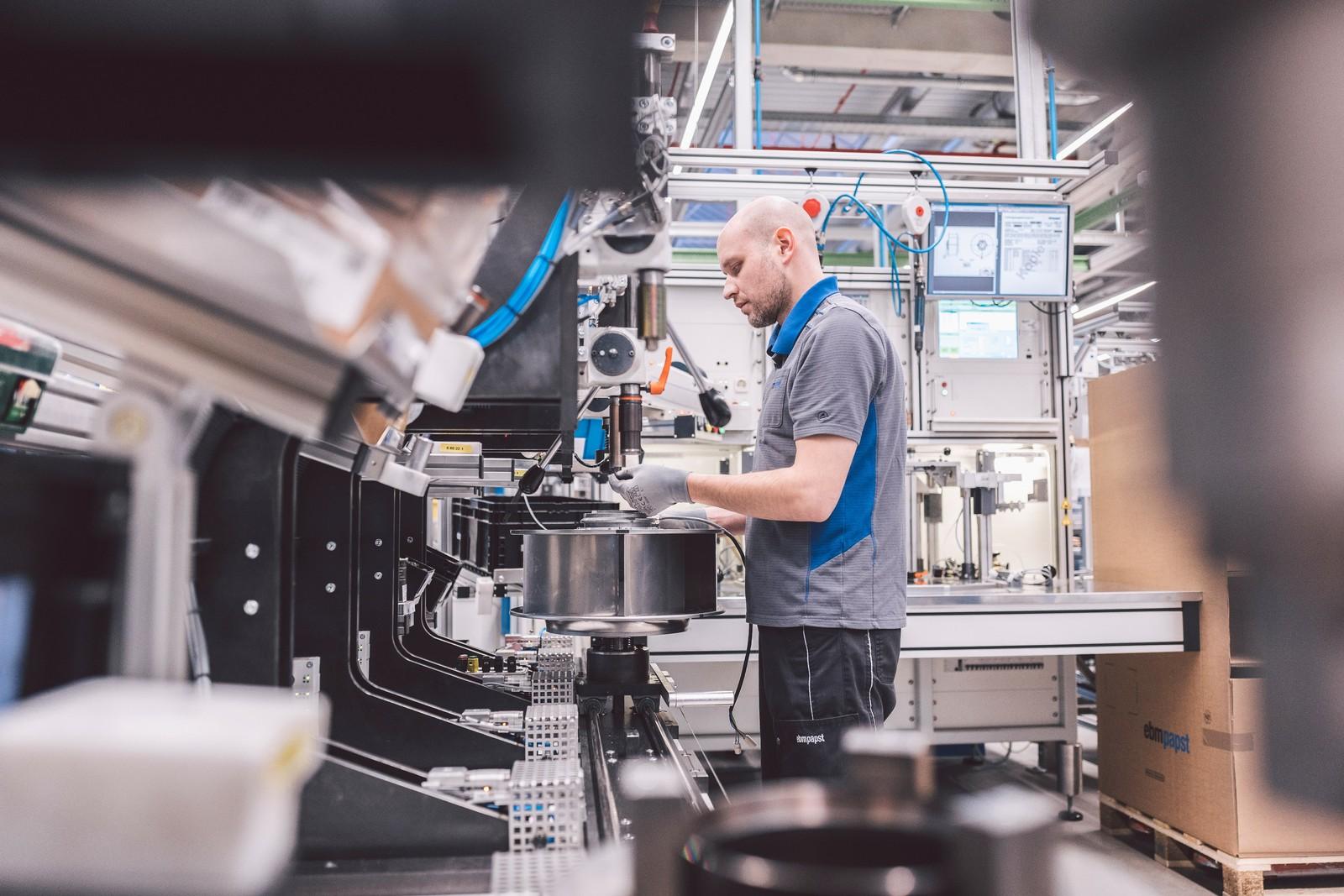 """Ebm-Papst treibt Internationalisierung voran: Der Technologieführer von Ventilatoren und Motoren wächst um 6,7%; die Strategie """"one ebm-papst"""" trägt Früchte."""