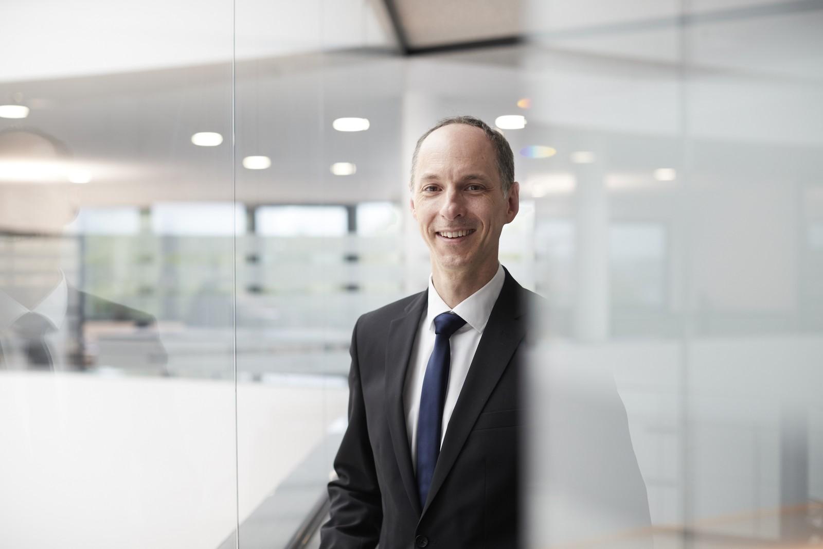 Für den 46-jährigen Dirk Laubengeiger steht als Geschäftsführer der Ortlieb Präzisionssysteme GmbH & Co. KG vor allem die Kommunikation mit Mitarbeitern und Kunden im Vordergrund.