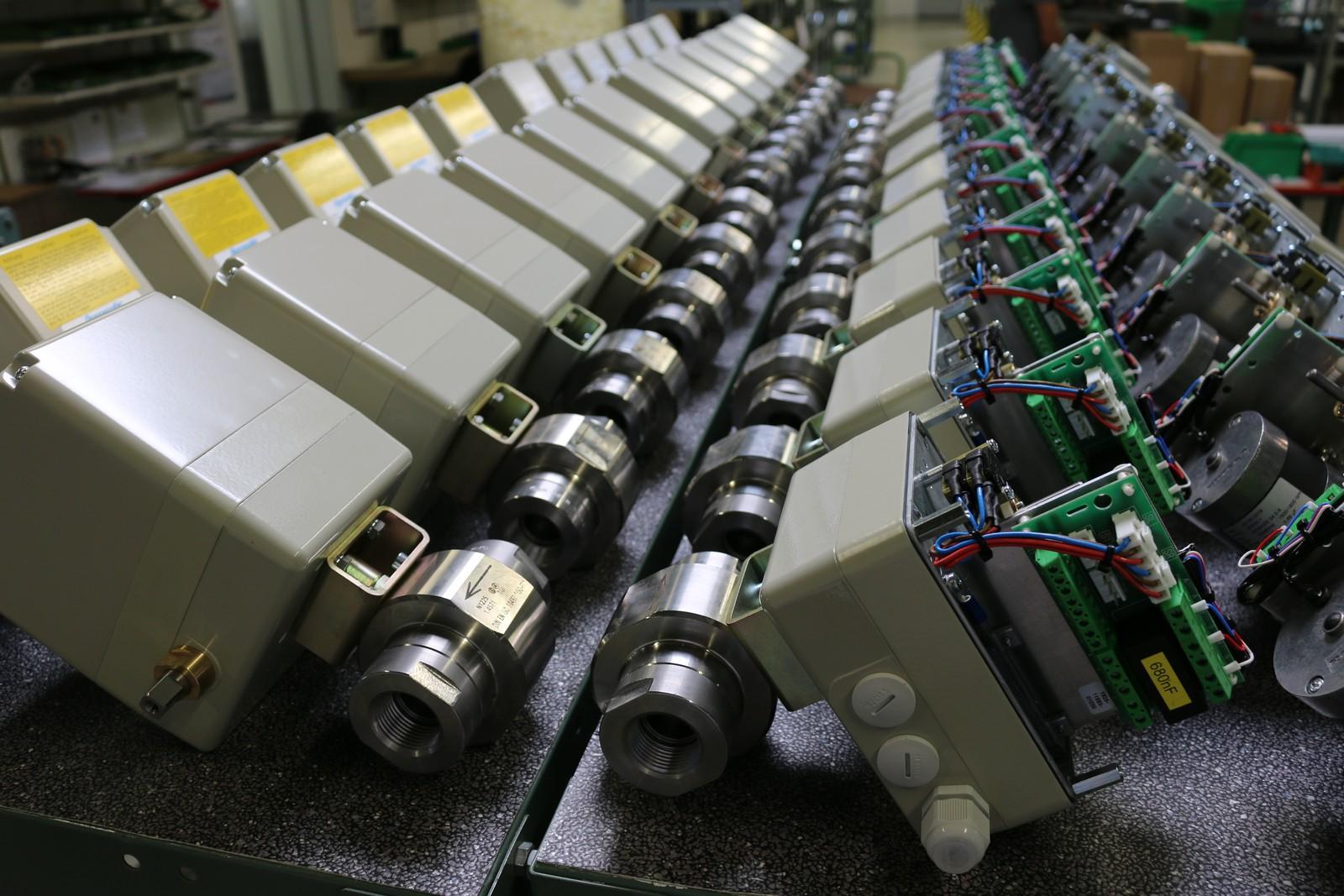 200 extra für eine besonders anspruchsvolle Aufgabe gefertigte Stellantriebe mit Kugelhähnen lieferte Agromatic jetzt nach Asien aus. Es ist der bisher größte Einzelauftrag in der fast 50-jährigen Firmengeschichte.