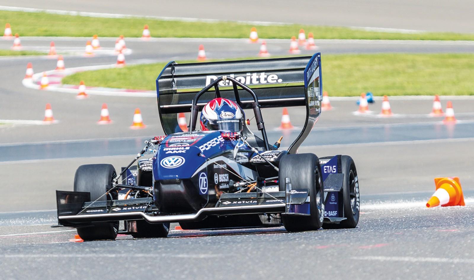 Elektrorennwagen enthält lasergeschweißte Batterien sowie lasergeschnittene CFK-Bauteile.