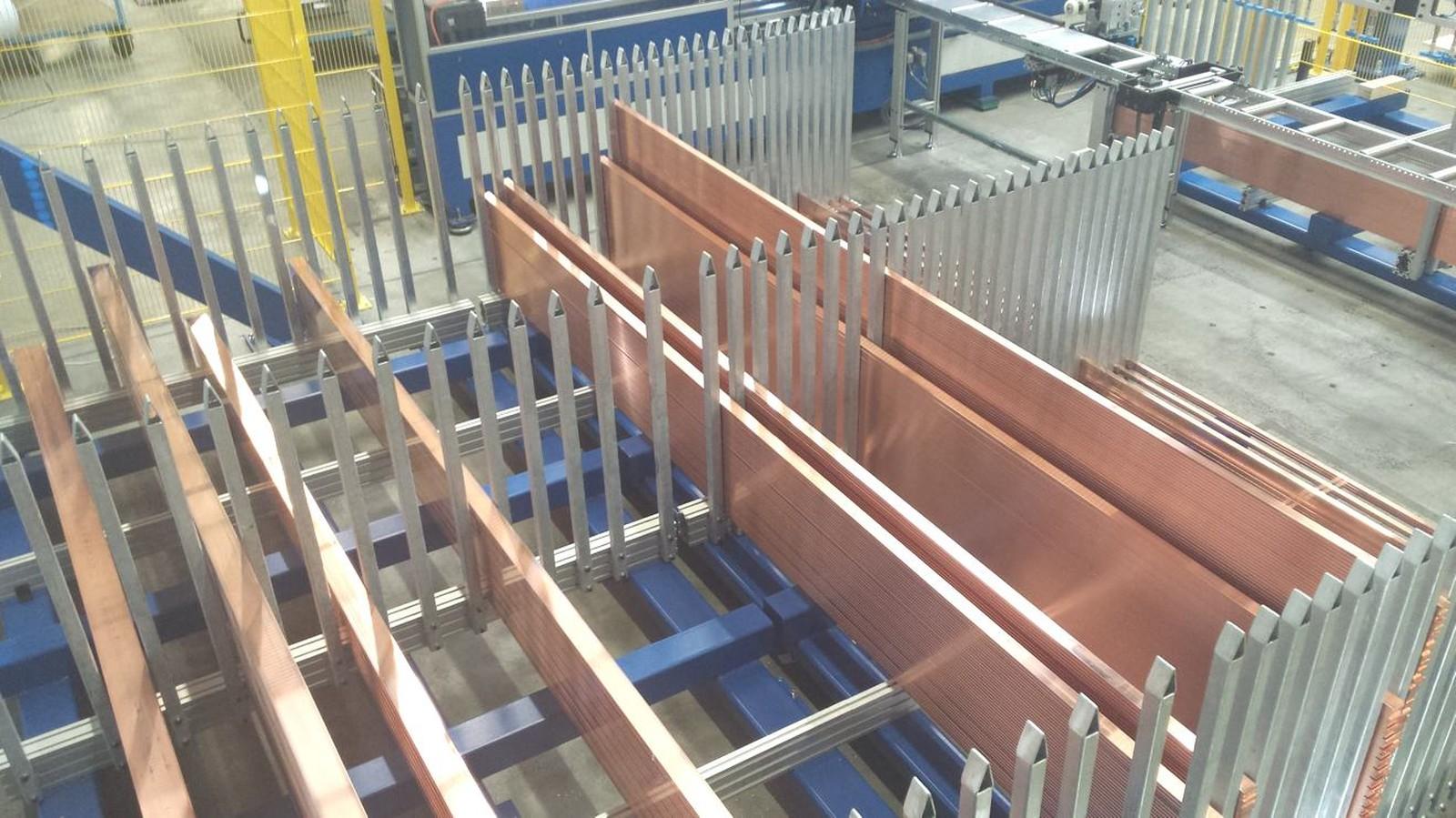 Gantry ist ein automatisiertes Sortier- und Lagersystem für Kupferschienen.