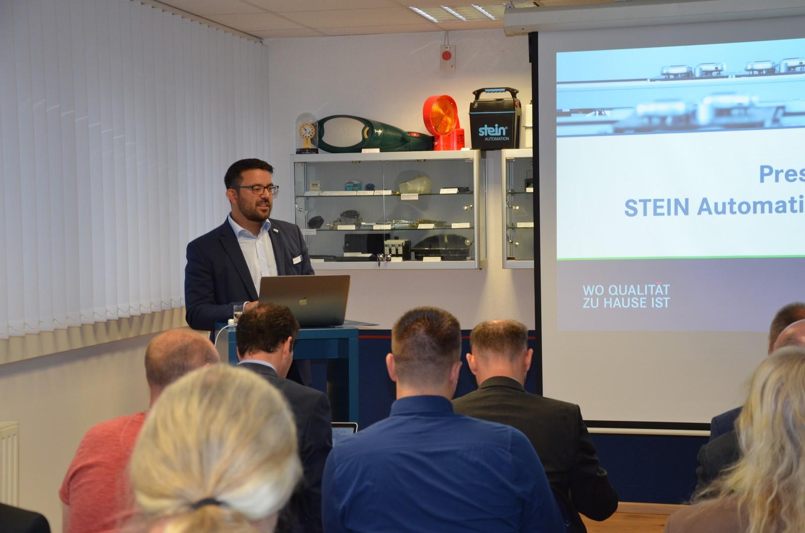 Vermittelte einen Einblick in die Transfertechnik der Zukunft: Jürgen Noailles, Geschäftsführer von Stein Automation.