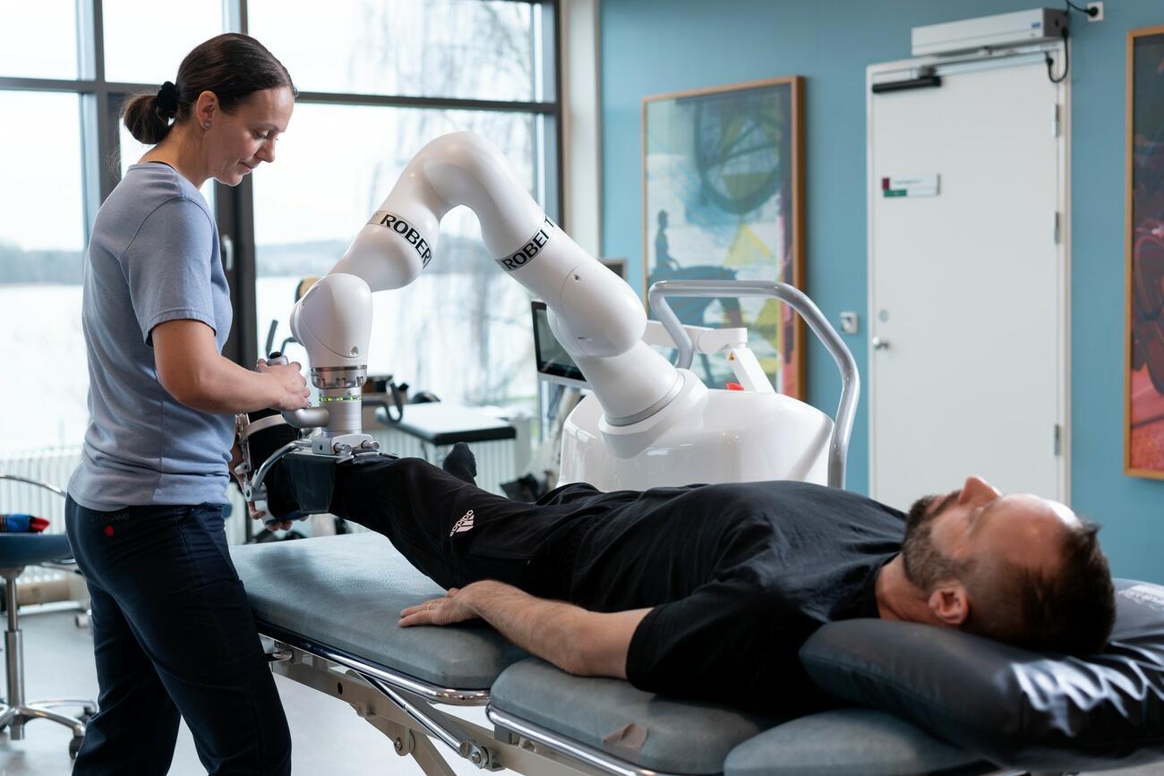 Social Distancing: Reha-Roboter als Physiotherapeuten?