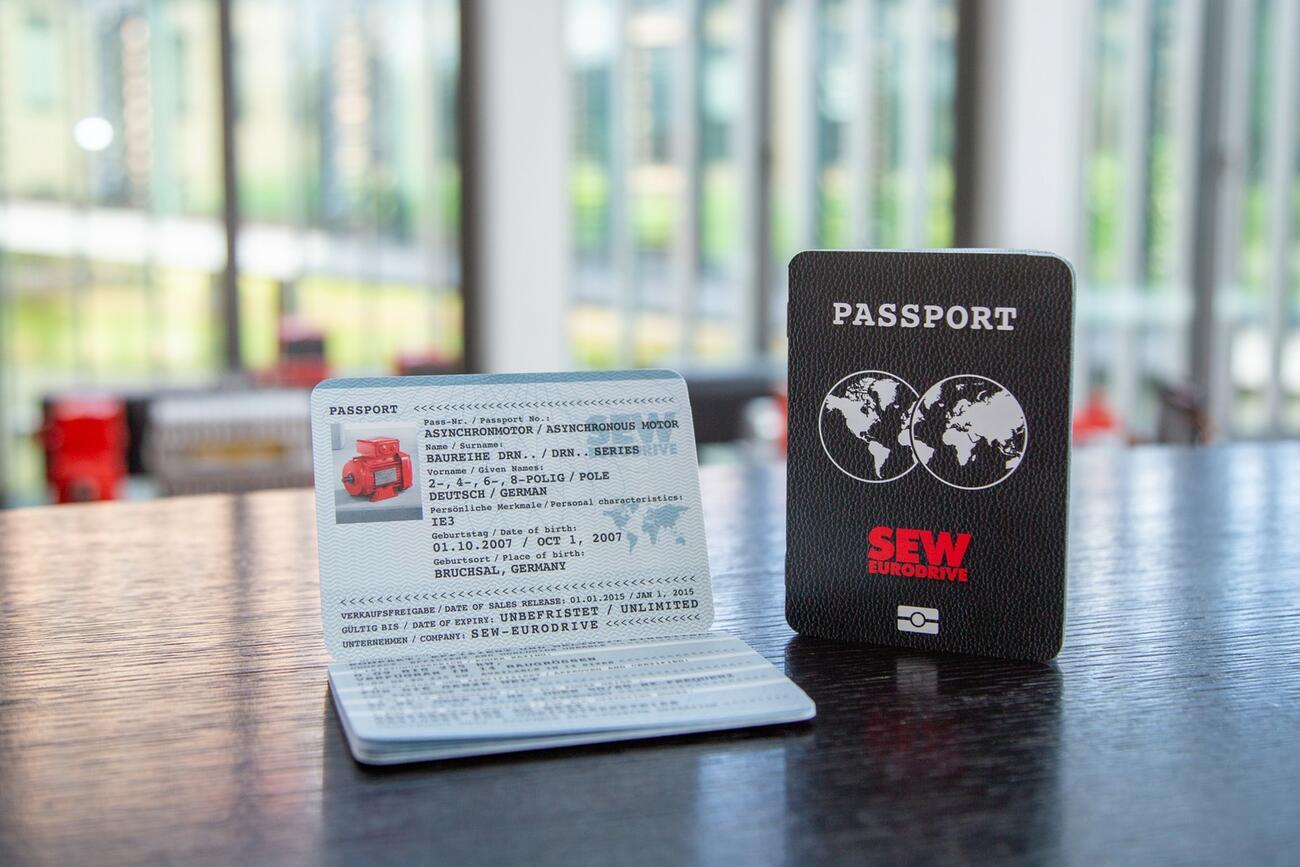 """Drehstrommotoren mit """"Reisepass"""" für einfacheren Export"""