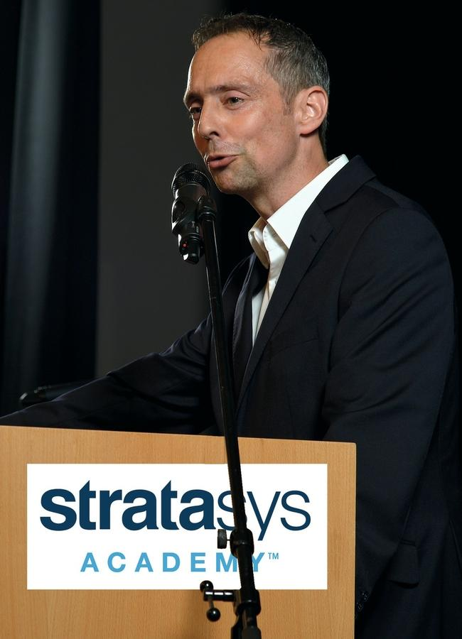 Matthias Gukelberger ist Vice President and Head of Services bei Stratasys EMEA.